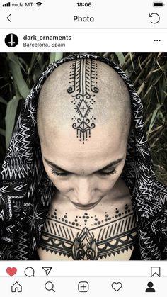 Scalp Tattoo, 3 Tattoo, Chest Tattoo, Tattoo Drawings, Bald Head Women, Shaved Head Women, Berber Tattoo, Japanese Back Tattoo, Bald Girl