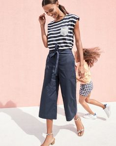 Crew women's Rory pant. Our newest cropped, wide-leg silhouette that's, wait… Cool Outfits, Summer Outfits, Casual Outfits, Fashion Outfits, Passion For Fashion, Love Fashion, Womens Fashion, Spring Summer Fashion, Style Me