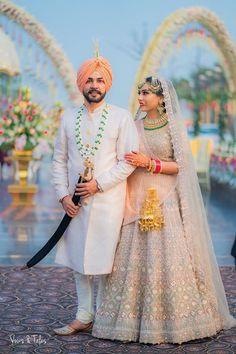 Punjabi Wedding Couple, Couple Wedding Dress, Wedding Dresses Men Indian, Indian Wedding Couple Photography, Indian Bridal Outfits, Wedding Photography Poses, Mehendi Photography, Indian Weddings, Photography Ideas