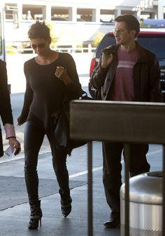 Halle Berry Photos - Halle Berry and Olivier Martinez at LAX - Zimbio