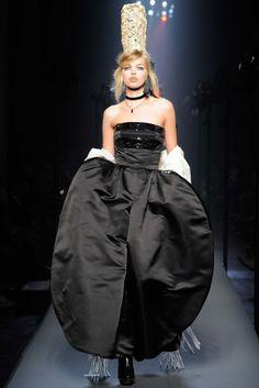 Jean Paul Gaultier Fall 2015 Couture Fashion Show - Daphne Groeneveld (Women)