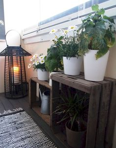 Cool 75 Cozy Small Balcony Design and Decorating Ideas https://wholiving.com/75-cozy-small-balcony-design-decorating-ideas