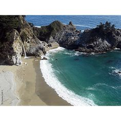 McWay Falls - Julia Pfeiffer Burns State Park - It's located on California's Route 1 between Monterey and Morro Bay. The beach is not opened to the general public so to see it you must walk up the trail (light trekking). Location: Julia Pfeiffer Burns State Park Big Sur California (easy to find with Google Maps). #McWayFalls #McWay #falls #juliapfeifferburnsstatepark #juliapfeifferburns #bigsur #California #VisitCalifornia #USA #nationalpark #trekking #travelling #travelphotography…