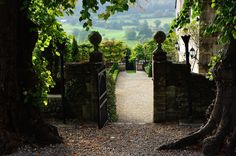 "vacilandoelmundo: "" Painswick, England """