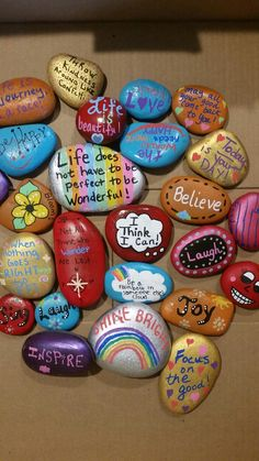 Rock Painting Patterns, Rock Painting Ideas Easy, Rock Painting Designs, Painting For Kids, Painted Rocks Craft, Hand Painted Rocks, Cool Paintings, Beautiful Paintings, Art For Kids Hub