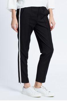 Pantaloni sport dama cu turul lasat negri