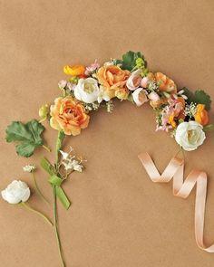 Wedding Flowers / DIY Wedding Flower Crown - WeddinGirl