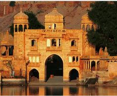 How to Enjoy the Tourist Attractions in Royal Kingdom of Rajasthan? @ https://www.yatraonclick.com/tours-and-travels-blog/how-to-enjoy-the-tourist-attractions-in-royal-kingdom-of-rajasthan/5