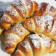 Fast soft breakfast croissants «Slava cooking and baking made easy - Bake & Cake - Croissants, Easy Bake Cake, No Bake Cake, Easy Bread Recipes, Meat Recipes, Sweet Bread Meat, Puff Pastry Recipes, Just Cakes, Pampered Chef