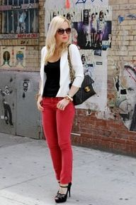 Read jeans, black tee, white cardigan and black Chanel bag