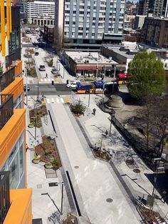 Woonerf Bell Street, Seattle, EUA. fonte: http://urbansyrup.com/shared-streets-challenge-street-safety-design/