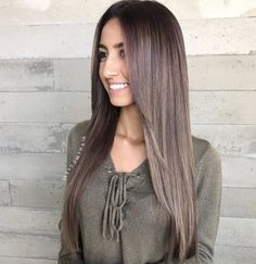 Keeping the hair original color and real. Long Layered Hair Straight color Hair … Keeping the hair original color and real. Long Layered Hair Straight color Hair Keeping original Real Haircuts For Long Hair Straight, Long Layered Haircuts, Long Bob Haircuts, Bob Hairstyles For Fine Hair, Straight Hair With Layers, Medium Hairstyles, Celebrity Hairstyles, Lob Styling, Rides Front