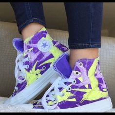 """Converse Chuck Taylor All Star """"Birds"""" Sneakers Brand New Never Worn Converse High Top Origami Birds Sneakers Women's Sz 6 Purple/Neon Yellow Converse Shoes Sneakers"""