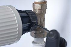 VIDEO: Fixa det kalla elementet | Gör Det Själv Bra Hacks, Radiators, Bra Tips, Radiant Heaters