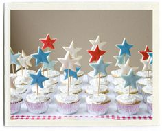 Love the raised stars.  I'd do the cakes with blue icing and white or yellow stars on top.