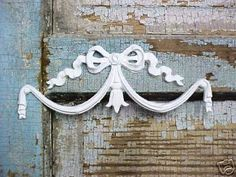 Shabby Chic Center Bow Swag by diychicgirl on Etsy, $8.95