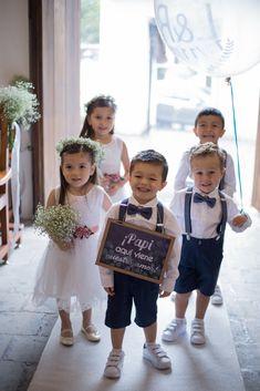 Weddings Discover Pregnant wedding - Wedding - Wedding with kids - Dream wedding - Flower girl dresses tulle - F Wedding Dresses For Kids, Wedding Flower Girl Dresses, Wedding With Kids, Wedding Suits, Wedding Bridesmaids, Blue Wedding, Dream Wedding, Bridesmaid Dresses, Pregnant Wedding
