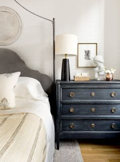 A worldly and sophisticated eclectic bedroom by Becca Interiors gets recreated by copycatchic luxe living for less budget home decor and design Home Bedroom, Master Bedroom, Bedroom Decor, Bedroom Ideas, Bedroom Lighting, Linen Bedroom, Bedroom Wall, Bed Linen, Muebles Shabby Chic