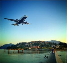 One of the best place for airplanegasm . Corfu Airport, Corfu Greece, Holiday Places, Chula, Greek Islands, B & B, Light Colors, The Good Place, Cool Photos
