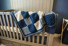 Crochet Baby Girl Blue and grey baby blanket hanging on side of crib - Creighton's blanket is a customizable crochet stitch sampler pattern that can be used for a baby blanket, a lapghan, or a full blown king size blanket! Boy Crochet Patterns, Crochet Baby Blanket Free Pattern, Granny Square Crochet Pattern, Crochet Blankets, Free Crochet, Crochet Granny, Crochet Designs, Crochet Ideas, Easy Baby Blanket