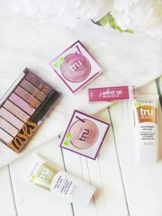 Easy Breezy Beautiful | Covergirl's Spring 2016 Collection | New Products | TruBlend Primer, TruBlend Blush, TruNaked Eyeshadow Palettes, Oh Sugar Lip Balm | labellesirene.ca