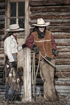 Cowgirls desertpride:  Taking a break on a cold afternoon..  /  Love this picture EL.