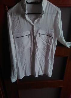 Kup mój przedmiot na #vintedpl http://www.vinted.pl/damska-odziez/koszule/13520649-biala-koszula-sinsay-ozdobne-kieszonki