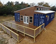 Wonderful Veranda Shipping Container House - USA - Living in a Container Container Shop, Cargo Container, Container House Design, Shipping Container Home Designs, Shipping Container House Plans, Shipping Containers, Building A Container Home, Container Buildings, Usa Living