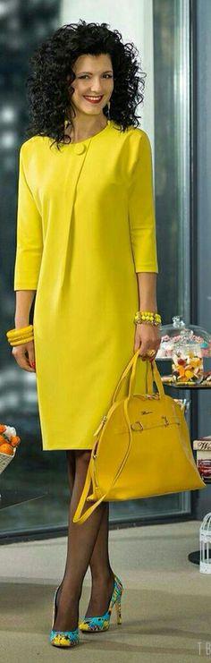 Mature Fashion, 50 Fashion, African Fashion, Fashion Dresses, Womens Fashion, Dressy Dresses, Simple Dresses, Black And Green Dress, Look Legging