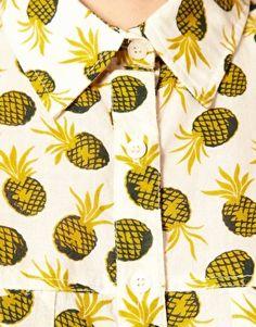 Pineapple conversational print direction