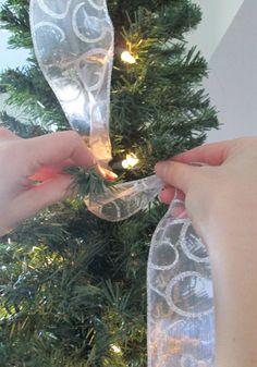 How-to Hang Ribbon on a Christmas Tree