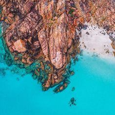 A tiny, secluded beach at Dunsborough, Western Australia. (ABC Open contributor Saltywings)