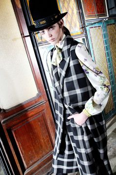 http://www.vogue.com/fashion-shows/pre-fall-2016/antonio-marras/slideshow/collection