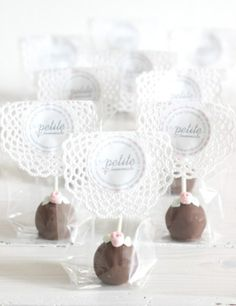 chocolate cake pops by petite homemade ~ A Sweet way to wrap cake pops for a Tea Party or Shower