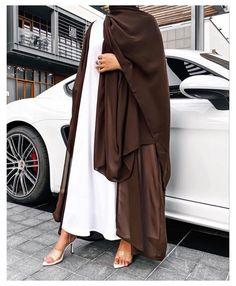 Modest Fashion Hijab, Modern Hijab Fashion, Arab Fashion, Islamic Fashion, Muslim Fashion, Fashion Outfits, Hijab Fashion Inspiration, Fashion Black, Mode Abaya
