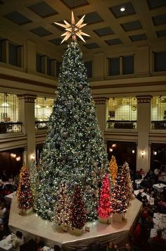 Christmas Tree in the Walnut Room at Macy's in Chicago by Michael Kappel on Flickr