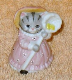 KITTY CUCUMBER THIMBLE SIZE PRISCILLA WITH BUTTERFLY NET.