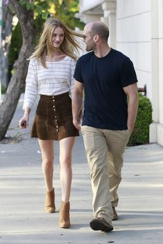 Jason Statham and Rosie Huntington-Whiteley Show Sweet PDA During a Shopping Trip | Pictures