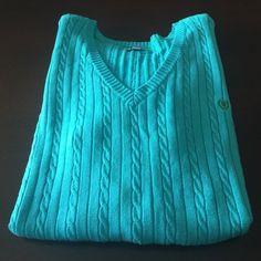 Izod Sweater NWT. V- neck sweater. IZOD Sweaters V-Necks