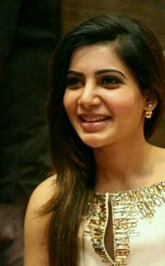 Samantha Ruth Prabhu is Indian Actress and Model. Samantha most popular and highest paid actress in South India. South Indian Actress, Beautiful Indian Actress, Beautiful Actresses, Samantha In Saree, Samantha Ruth, Bollywood Girls, Bollywood Actress, Tamil Girls, Bollywood Celebrities
