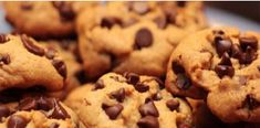 While trying to lose weight much of thought is given to the choice of a healthy snack option. In this article I share, some of the myths related to diet biscuits. Do share this information with your friends you care! American Chocolate Chip Cookies, Secret Chocolate Chip Cookie Recipe, Raisin Cookie Recipe, Chocolate Cookies, Cookie Recipes, Cupcake Recipes, Food Network, Cinnamon Roll Cookies, Carrot Cookies