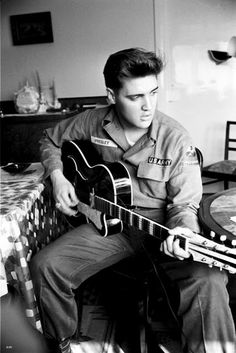 "Elvis Presley – was an American singer and actor. A cultural icon, he is commonly known by the single name Elvis. One of the most popular musicians of the century, he is often referred to as the ""King of Rock and Roll"" or ""the King"". Lisa Marie Presley, Priscilla Presley, Elvis Presley Army, Elvis Presley Photos, Elvis Presley Wallpaper, Rare Elvis Photos, Music Rock, My Music, Jazz Music"