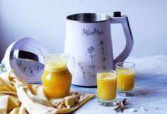 Tés e infusiones con frutas y MioMat para hoy: té negro con pulpa de maracuyá, jengibre y canela.!!! Agri Dulce, aromática, refrescante y atractiva infusión ideal para toda la familia. Una bebida de sabor afrutado y exótico. Té negro con maracuyá, jengibre y canela. Yamiii. necesitamos: -té negro hasta la línea Mínimo  -pulpa de 1-2 maracuyas -canela -jengibre -miel-opcional programa Jugo Mix frío French Press, Kettle, Coffee Maker, Tableware, Canela, Honey, Sweets, Juice, Beverage