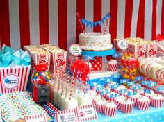 Sweet treats at the circus party - I would like this for my next birthday please