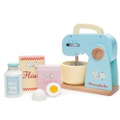 Le Toy Van Honeybake Mixer Set Mixer, bowl, egg, milk, flour, sugar My daughters would love this to add to their toy kitchen. #limetreekids