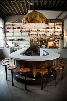 Orleans Meets SF at Charles Phan's Hard Water Hard Water 02 / Charles Phan's new San Francisco restaurant. photo by Nathan Ziebell. via EaterHard Water 02 / Charles Phan's new San Francisco restaurant. photo by Nathan Ziebell. via Eater Design Bar Restaurant, Deco Restaurant, Restaurant Ideas, Luxury Restaurant, Restaurant Lighting, Restaurant Interiors, House Restaurant, Open Kitchen Restaurant, Kitchen Pass