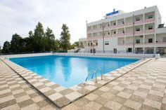 La piscina del Centro Narconon Il Gabbiano, durante il periodo estivo, rappresenta solamente uno degli impianti messi a disposizione dei vari ospiti