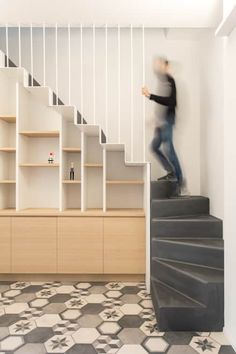 Plus Ultra studio, conversione duplex Milano House Staircase, Staircase Railings, Home Stairs Design, House Design, Stairway Storage, Stairs In Living Room, Wooden Stairs, Under Stairs, Lofts