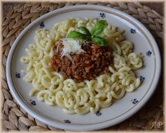 Omáčka na těstoviny 2 Macaroni And Cheese, Spaghetti, Ethnic Recipes, Food, Mac And Cheese, Essen, Meals, Yemek, Noodle