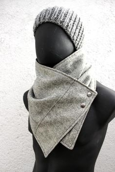 Men and women cowl. Grey wool with metalic snaps,tiny squares,Modern, chunky and cozy. Gifts For Your Boyfriend, Boyfriend Presents, Husband Gifts, Fashion Project, Wool Fabric, Gentleman Style, Neck Warmer, Scarf Styles, Lana
